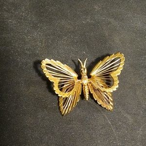 Gorgeous vintage Monet butterfly brooch